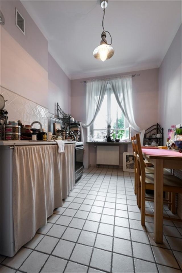 12_kuchnia_styl_skandynawski_biale_wnetrze_scandinavian_style_white_interior_design_kitchen