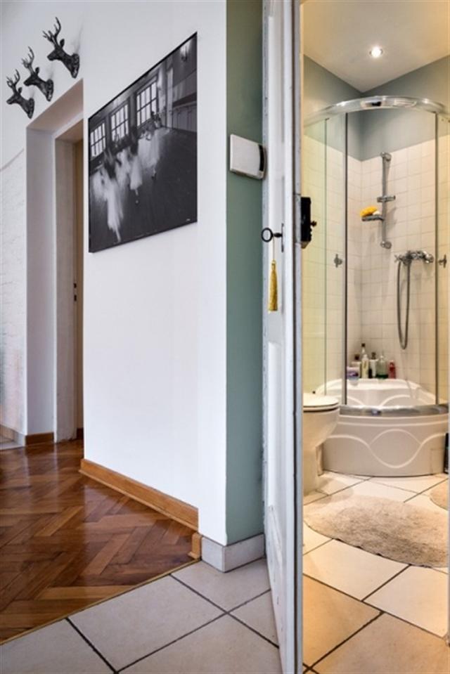 13_przedpokoj_styl_skandynawski_biale_wnetrze_scandinavian_style_white_interior_design_entrance_hall