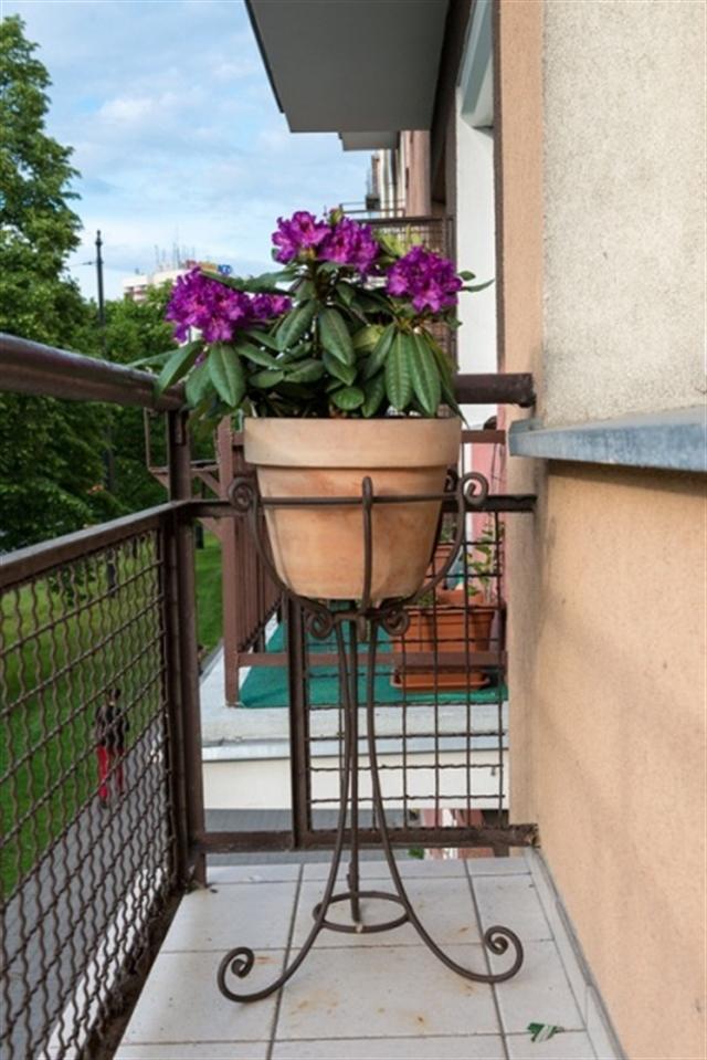 22_balkon_styl_skandynawski_biale_wnetrze_scandinavian_style_white_interior_design_balcony