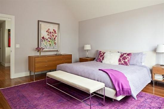 16_pantone_color_of_the_year_2014_radiant_orchid_purple_bedroom_interoir_design_purpurowa_sypialnia_projektowanie_wnetrz