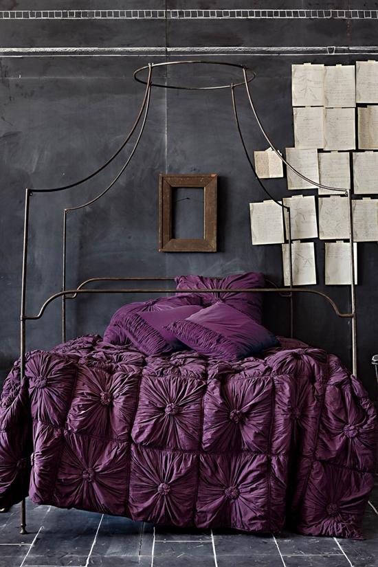 19_pantone_color_of_the_year_2014_radiant_orchid_purple_bedroom_interoir_design_purpurowa_sypialnia_projektowanie_wnetrz