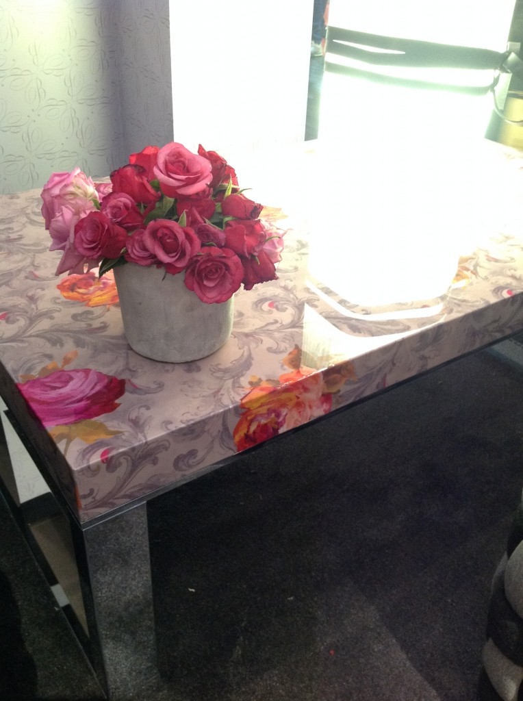 2 blumarine isaloni salone internazionale del mobile targi w mediolanie home decor interior design floral patterns ekskuzywne meble wzory kwiatowe