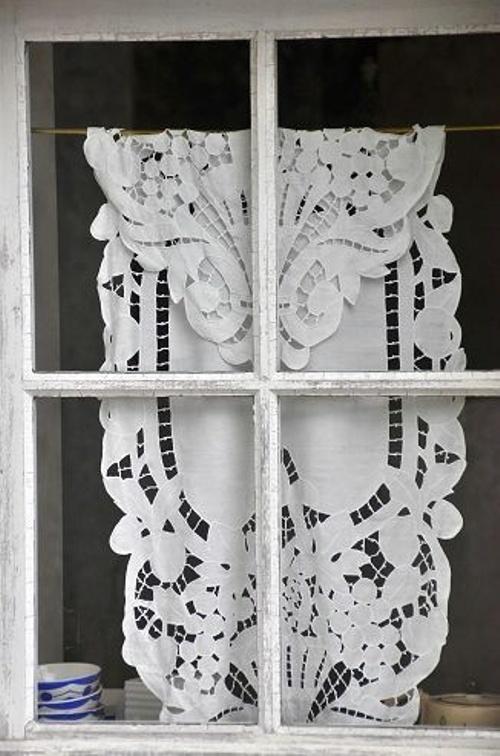 17_summer_window_home_ideas_and_treatments_diy_curtains_handmade_window_decoration_okna_pomysl_na_lato_letnia_dekoracja_okien_remont_mieszkania_latem