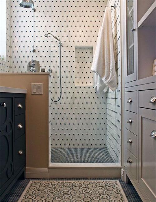 15 black and white polka dots home decoration interior design spotted ideas kropki we wnetrzu bialo czarne groszki w domu lazienka w kropki spotted bathroom