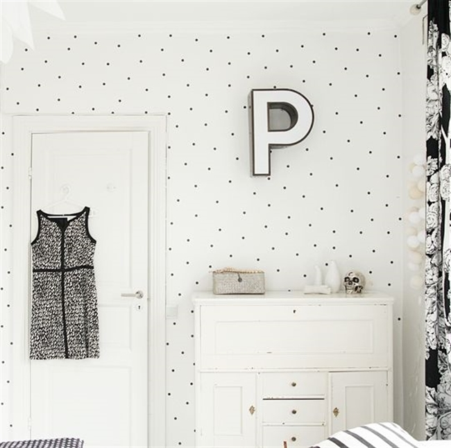 20 black and white polka dots home decoration interior design spotted ideas kropki we wnetrzu bialo czarne groszki w domu sypialnia w kropki spotted bedroom