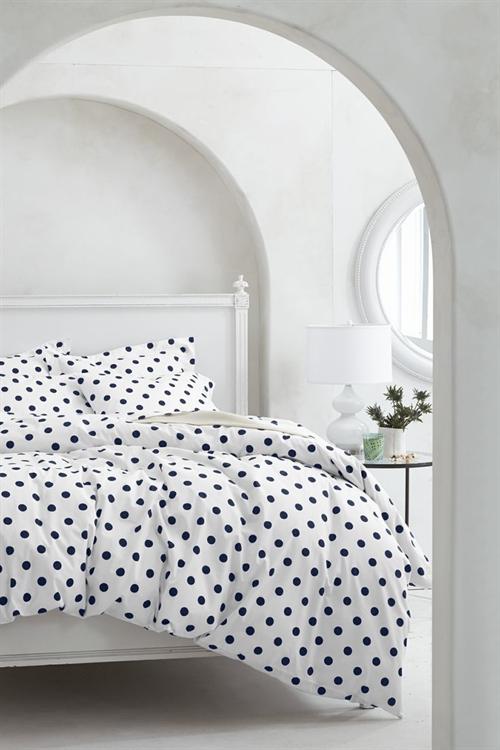 21 black and white polka dots home decoration interior design spotted ideas kropki we wnetrzu bialo czarne groszki w domu sypialnia w kropki spotted bedroom