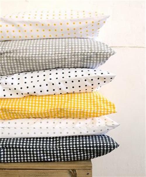 24 black and white polka dots home decoration interior design spotted ideas kropki we wnetrzu bialo czarne groszki w domu ozdoby w kropki