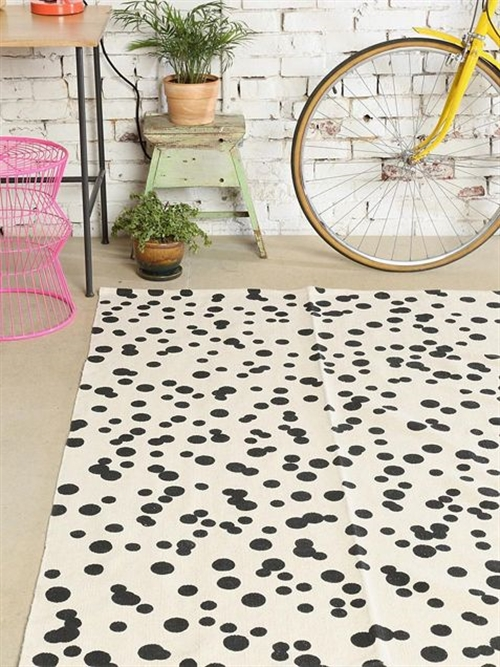 6 black and white polka dots home decoration interior design spotted ideas kropki we wnetrzu bialo czarne groszki w domu pokoj w kropki spotted living room