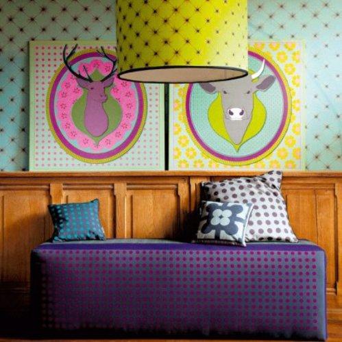 2 conceptuwall living room kitchen bedroom hall colorful apartment kolorowe mieszkanie kuchnia sypialnia marie claire maison french interior design projektowanie wnetrz niezwykle sciany i tapety francja
