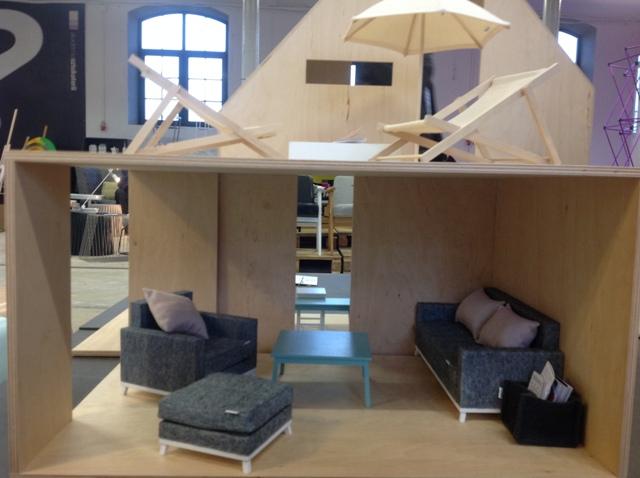 2 wooden dollhouse drewniany domek dla alek boomini lodz design festival must have awards polish design polskie projekty