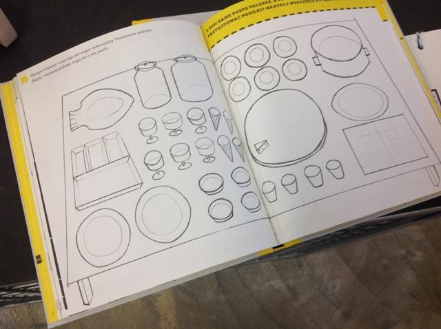 8 Zeszyt do zabaw Lokomotywa  projekt Aneta Lewandowska  Wydawnictwo Papierówka  must have awards polish design polskie projekty drewniane zabawki
