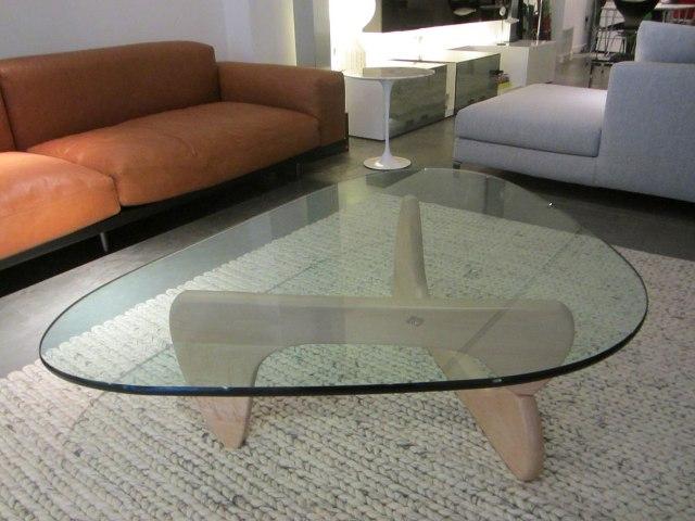 22_noguchi_coffee_table design icons designers furniture meble designerskie interior design projektowanie wnetrz stolik kawowy