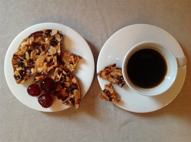 6 black coffee maker pottery alessi cookies blikle czarna kawa sniadanie ciasteczka ekspres do kawy lifestyle interior design