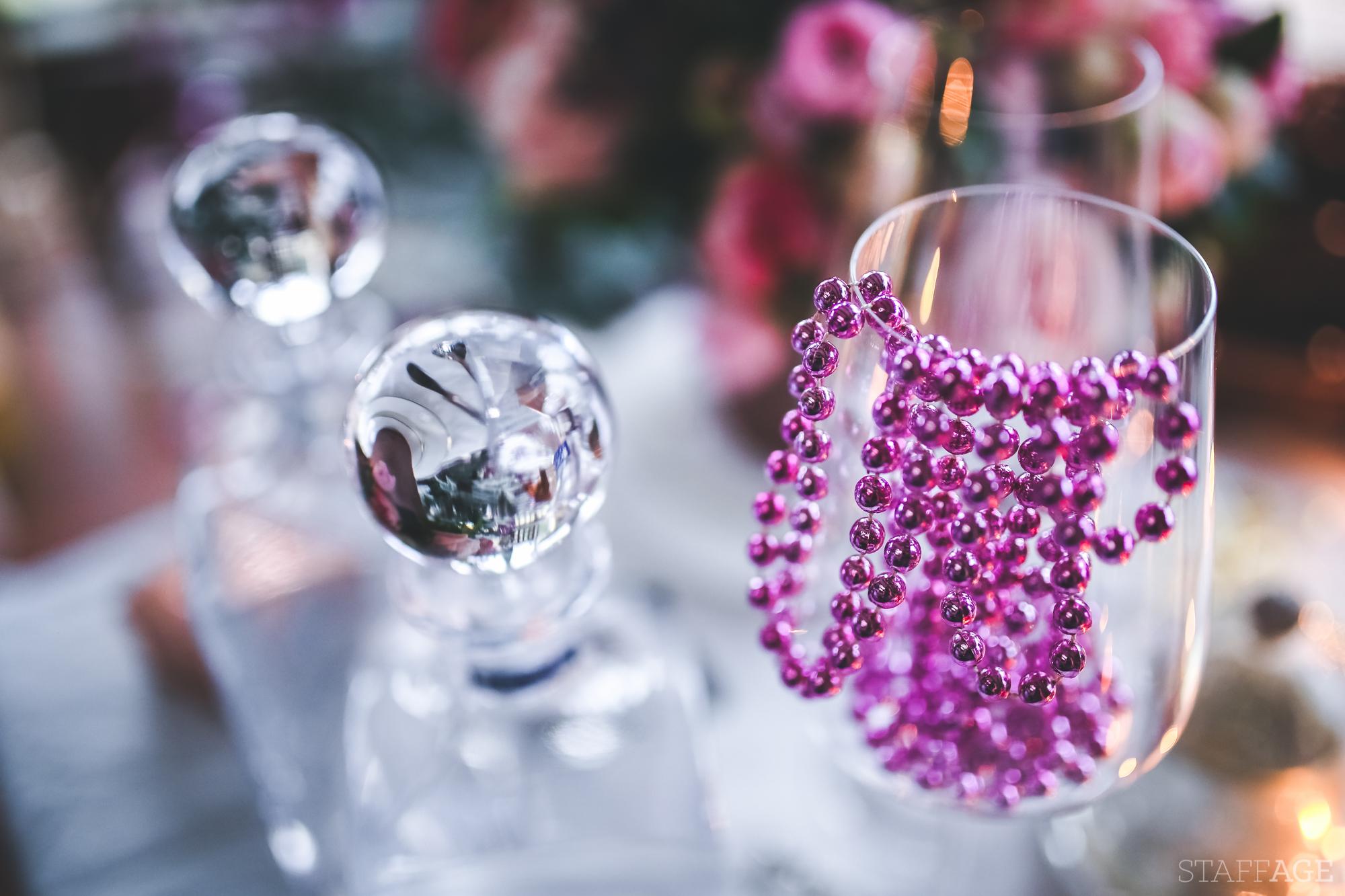 10 Staffagepl wigilijny stol pomysly na jadalnie swiateczne aranzacje chrstmas table settings ideas interior design winter flowers tableware