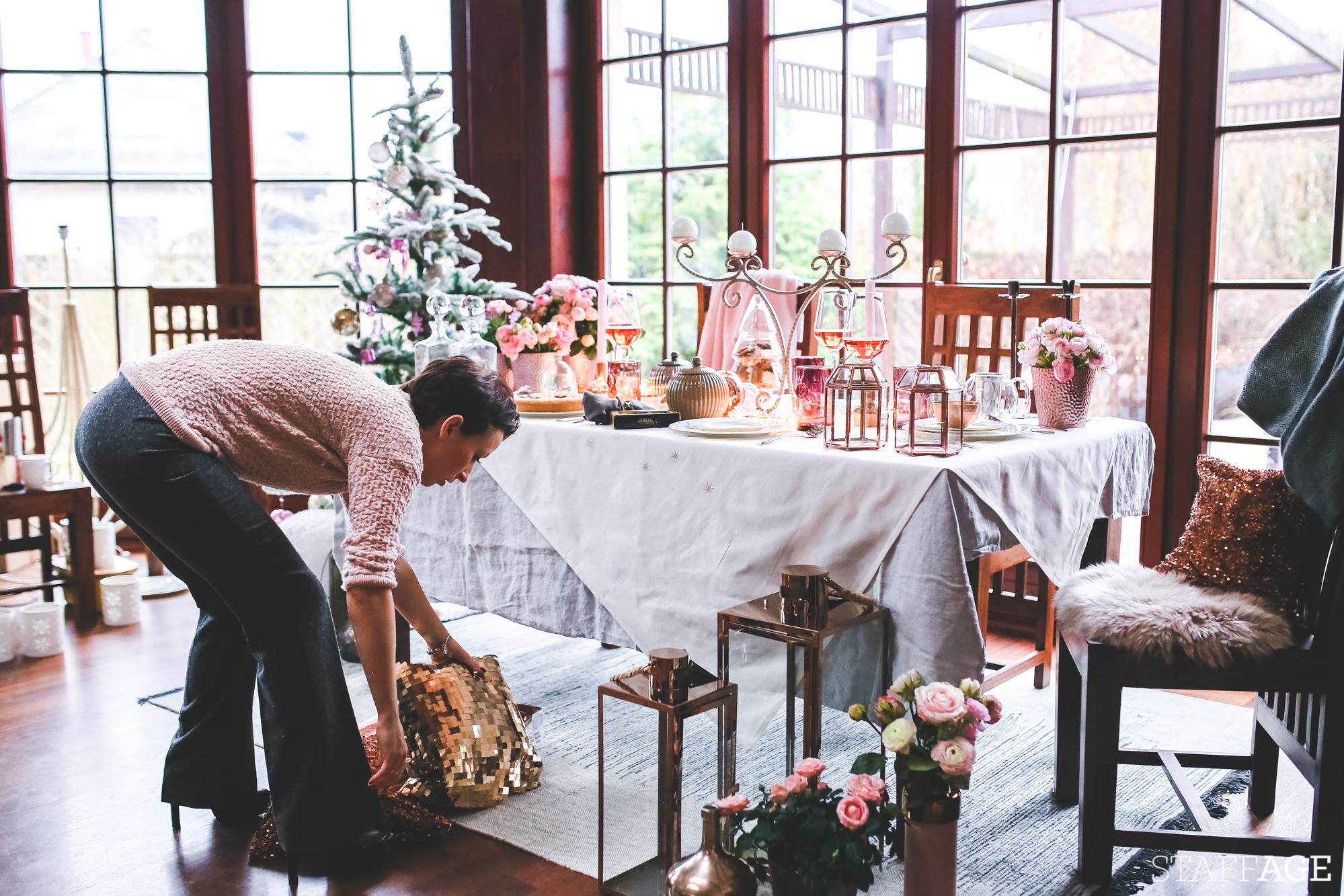 5 Staffagepl wigilijny stol pomysly na jadalnie swiateczne aranzacje chrstmas table settings ideas interior design winter flowers tableware