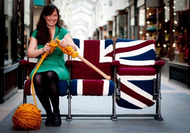 1 knit trend woolen covering furniture knitting home ideas home decor interior design welniany fotel robotki reczne diy