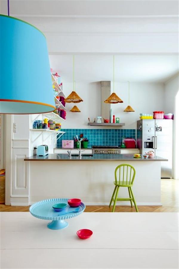 5 Charlotte Gueniau interior design home decorating residential colorful apartment kolory w mieszkaniu skandynawia mieszanie stylow w domu projektowanie wnetrz
