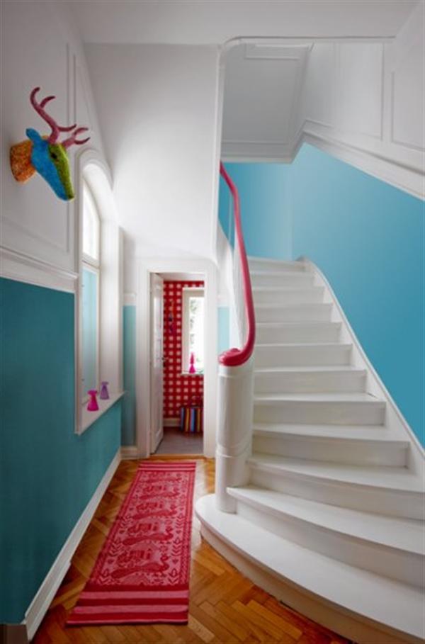 8 Charlotte Gueniau interior design home decorating residential colorful apartment kolory w mieszkaniu skandynawia mieszanie stylow w domu projektowanie wnetrz
