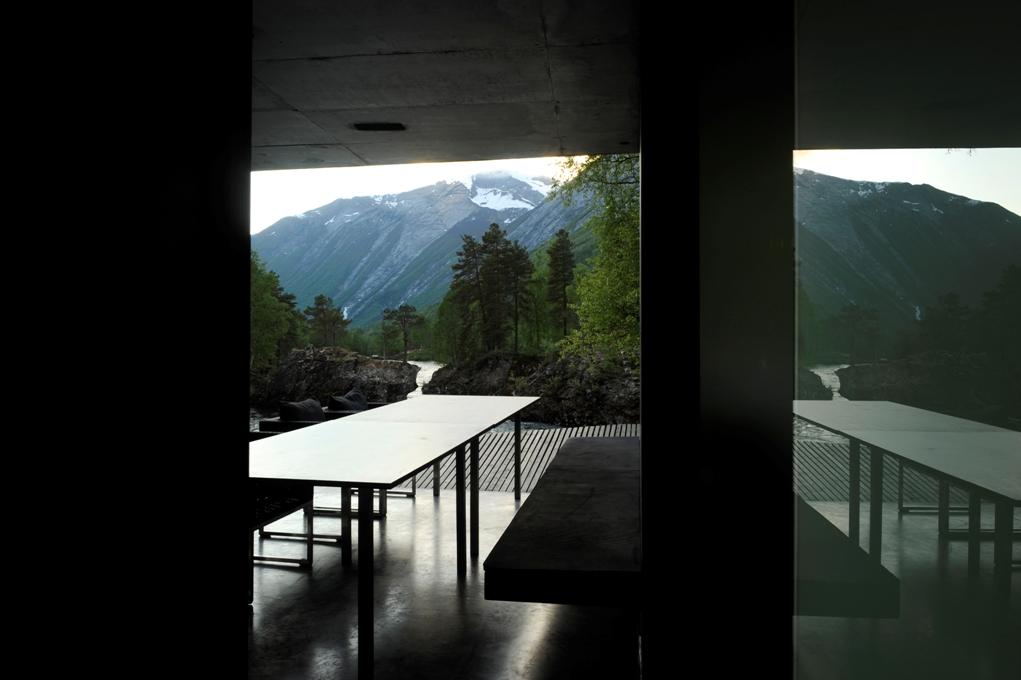 16 norway juvet landscape hotel norwegian architecture interior design niezwykle wnetrza styl skandynawski