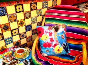 2 melli mello styl meksykanski wnetrze boho kolorowe kafelki meksykanskie plytki projektowanie wnetrz interior design mexican style santa fe home colorful tiles serape