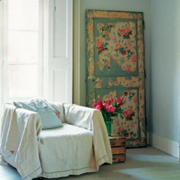 4_recovered_and_repurposed_old_doors_ideas_salvaged_and_recycled_interior_design_upcycling_in_home_pomysly_na_stare_drzwi_recykling_w_domu_pomysly_na_starocie_wnetrza_shabby_chic