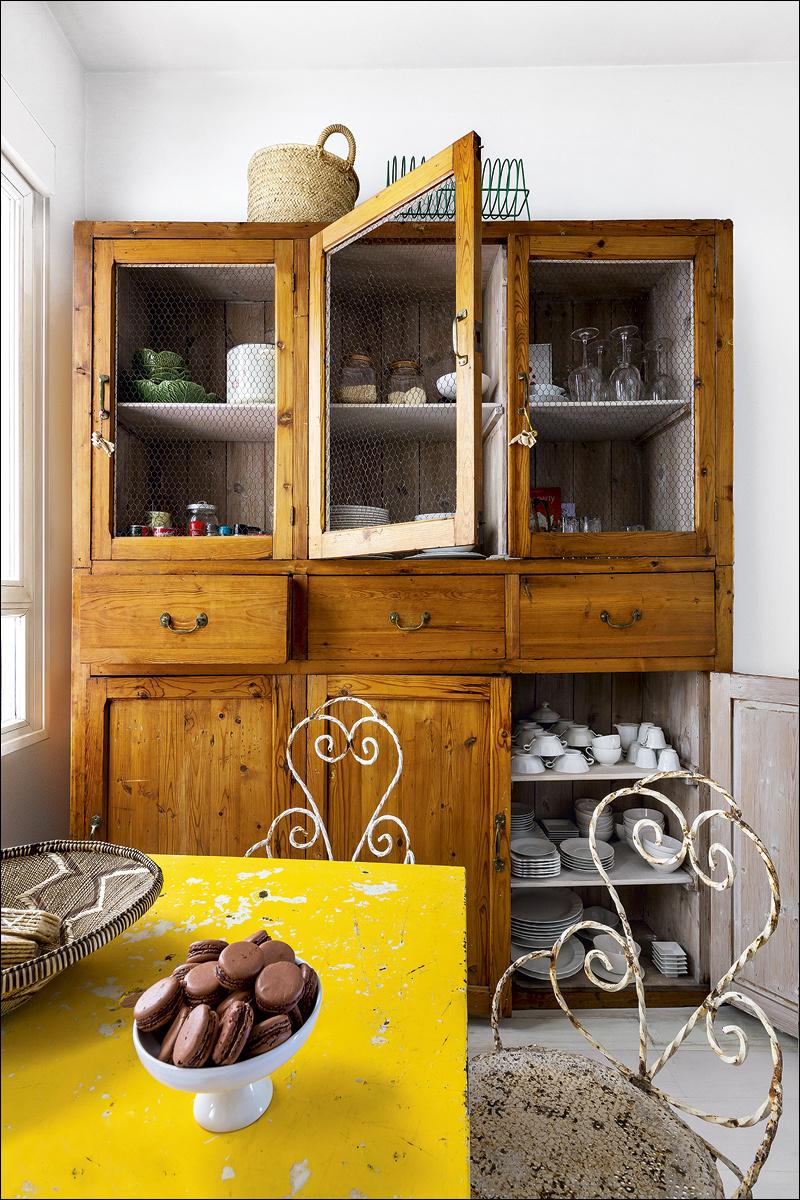 12 casa_de_luis_galliussi_en_madrid_ad spain interior design home decor ideas vintage boho style kolorowe mieszkanie styl vintage wnetrza