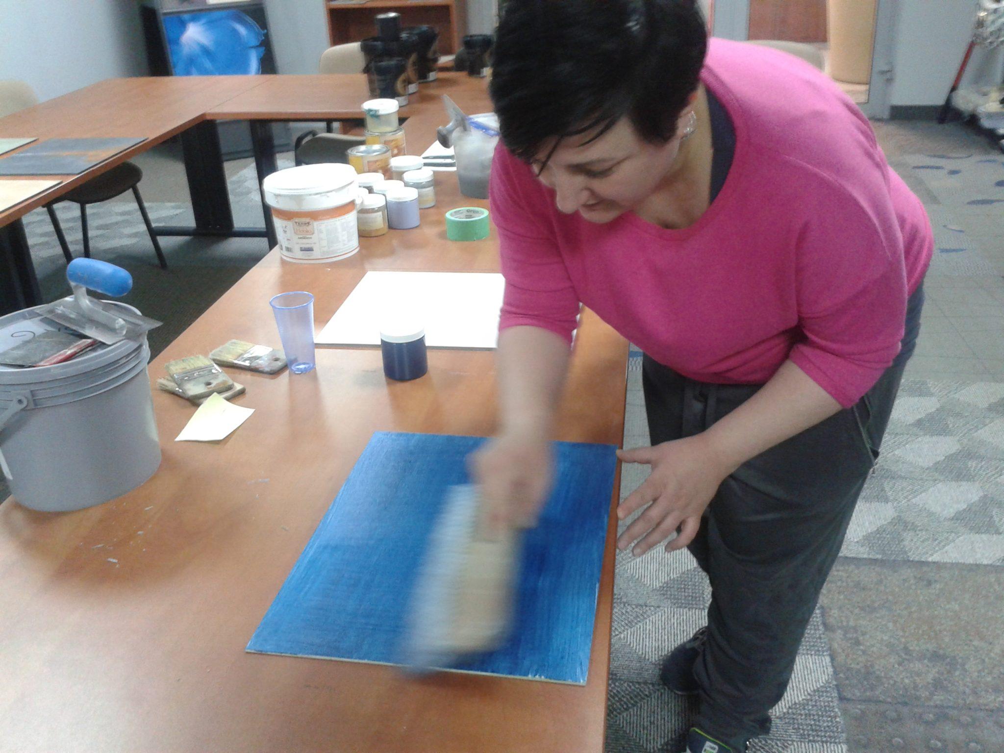 2 benjamin moore paints denim effect wall decorating home decor ideas interior design malowanie scian urzadzanie mieszkania projwktowanie wnetrz pomysly do domu sciana z dzinsu jeans wall