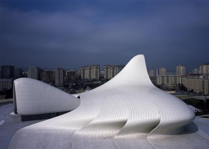 11 heydar-aliyev-center-zaha-hadid-architects_hac_photo_by_helene_binet_ baku azerbaijan extreme architecture modern building innovative venues nowoczesna architektura odwazne projekty