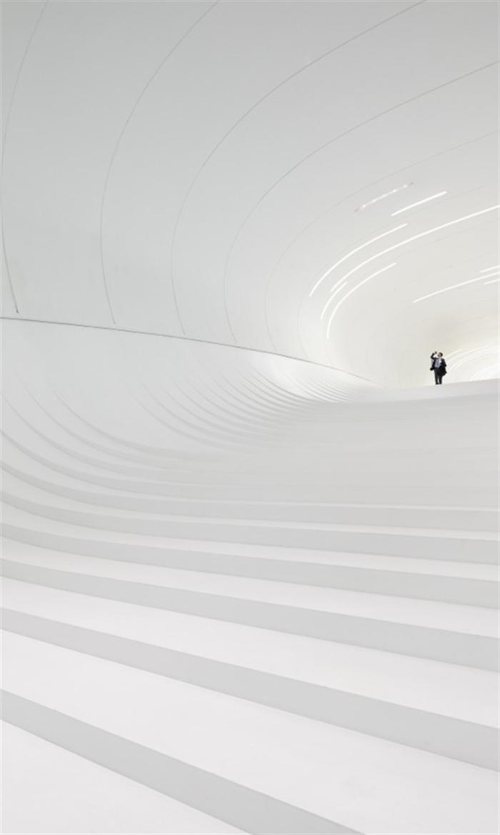 12 heydar-aliyev-center-zaha-hadid-architects_hac_interior_photo_by_hufton_crow_- baku azerbaijan extreme architecture modern building innovative venues nowoczesna architektura odwazne projekty