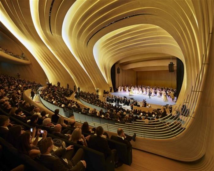 13 _heydar-aliyev-center-zaha-hadid-architects_hac_interior_photo_by_hufton_crow baku azerbaijan extreme architecture modern building innovative venues nowoczesna architektura odwazne projekty