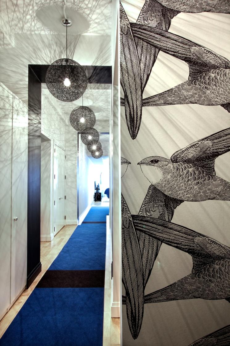 3 ghislaine vinas interior design modern apartment pop art style colorful home nowoczesne wnetrze kolory w pokoju