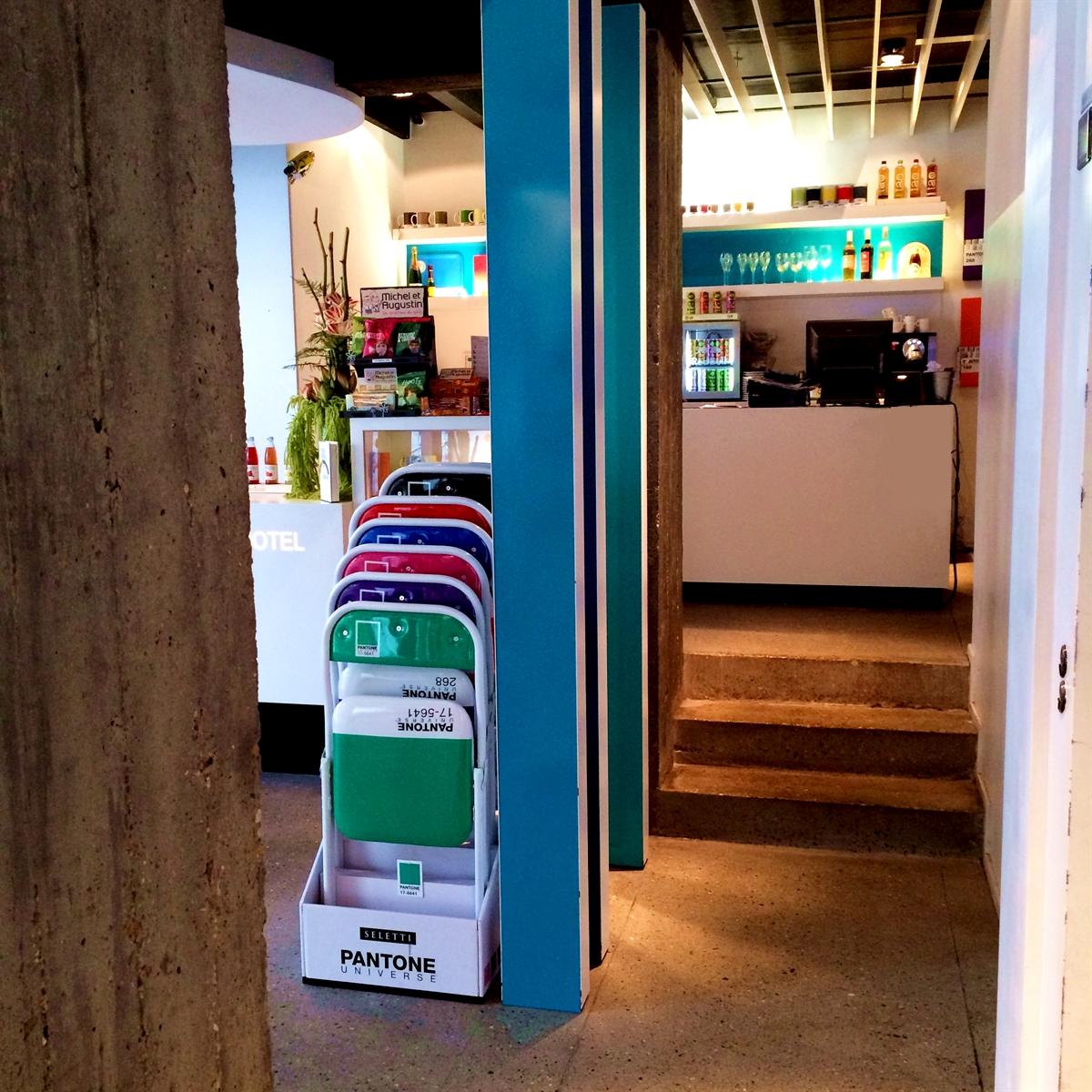 5 pantone hotel brussels design september colorful interior design modern apartment kolory we wnetrzach forelementsblog