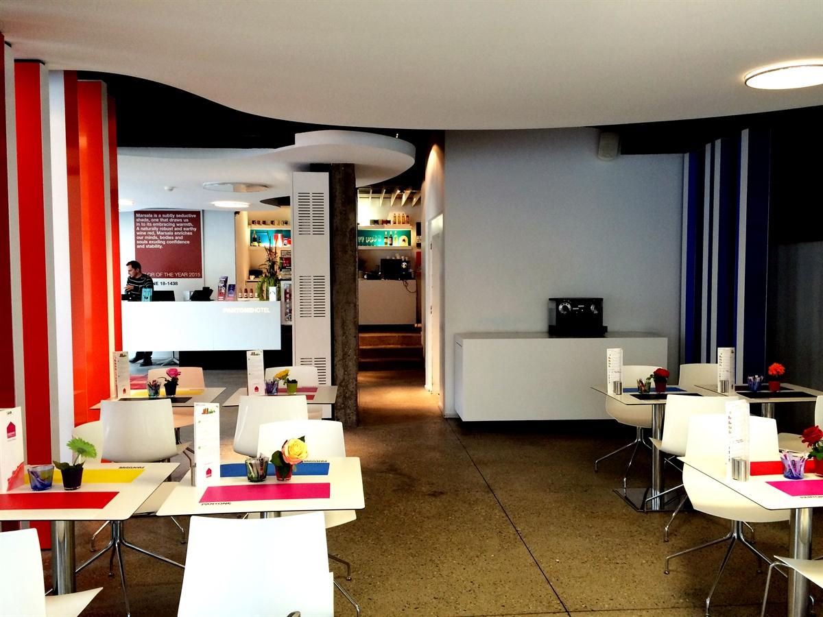 8 pantone hotel brussels design september colorful interior design modern apartment kolory we wnetrzach forelementsblog