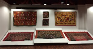 17 suzani_embroidered_textiles_ethnic_style_boho_gypsy_interior_design_home_decor_asia_inspirations_styl_etniczny_kolorowe_wnetrze_forelements_blog