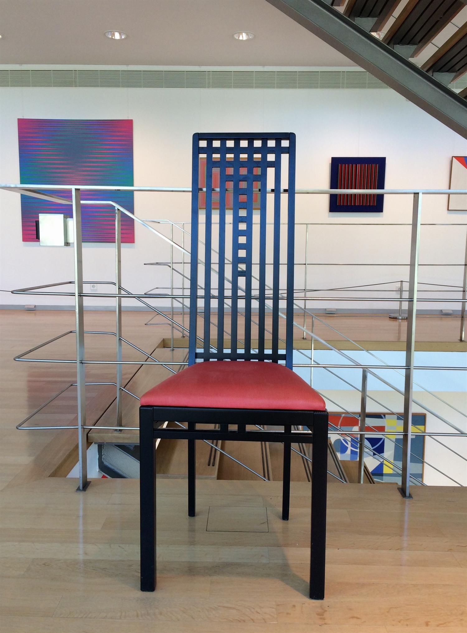 22 Charles Rennie Mackintosh arithmeum_bonn_design_art_exhibition_minimalist_interior_style_vintage_furniture_ikony_designu_forelements_blog