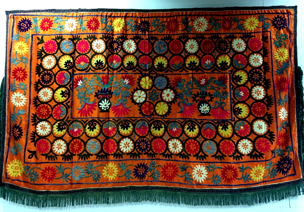 25 suzani_embroidered_textile_ethnic_style_boho_gypsy_interior_design_home_decor_asia_inspirations_styl_etniczny_kolorowe_wnetrze_forelements_blog