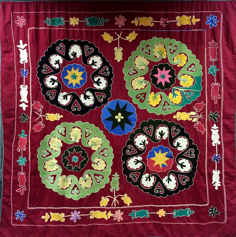 30 suzani_embroidered_textile_ethnic_style_boho_gypsy_interior_design_home_decor_asia_inspirations_styl_etniczny_kolorowe_wnetrze_forelements_blog