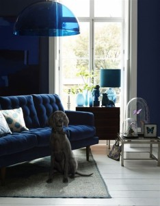 11 prussian_blue_interior_design_home_decorating_ideas_colorful_apartment_niebieskie_wnetrza_forelements_blog