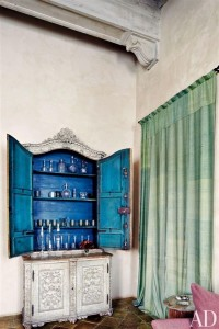 20 prussian_blue_interior_design_home_decorating_ideas_colorful_apartment_niebieskie_wnetrza_forelements_blog