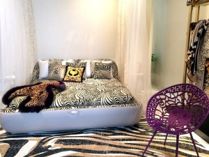 27 versace_home_furniture_collection__interior_design_home_decor_colorful_apartment_bold_patterns_forelements_blog