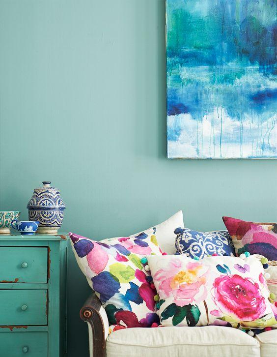 1 summer_home_decorating_ideas_interior_design_home_decor_floral_pattern_forelements_blog