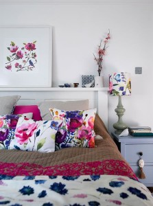 2 summer_home_decorating_ideas_interior_design_home_decor_floral_pattern_forelements_blog