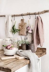 20 summer_home_decorating_ideas_interior_design_home_decor_floral_pattern_forelements_blog