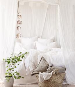 21 summer_home_decorating_ideas_interior_design_home_decor_floral_pattern_forelements_blog