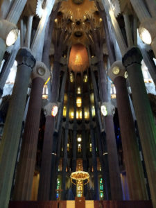 18-sagrada_familia_barcelona_gaudi_architecture_details_photography_design_inspiration_interior_decorating_inspiracje_do_wnetrza_forelements_blog