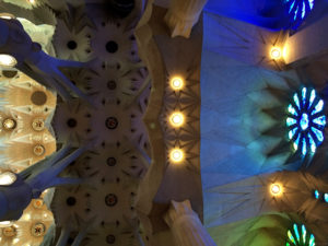 8-sagrada_familia_barcelona_gaudi_architecture_details_photography_design_inspiration_interior_decorating_inspiracje_do_wnetrza_forelements_blog