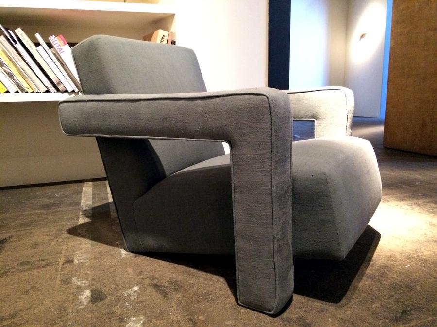8 gerrit_rietveld_utrecht_chair_furniture_polskie_meble_jak_wybrac_kanape_do_salonu_trendy_w_mieszkaniach_design_forelements_blog