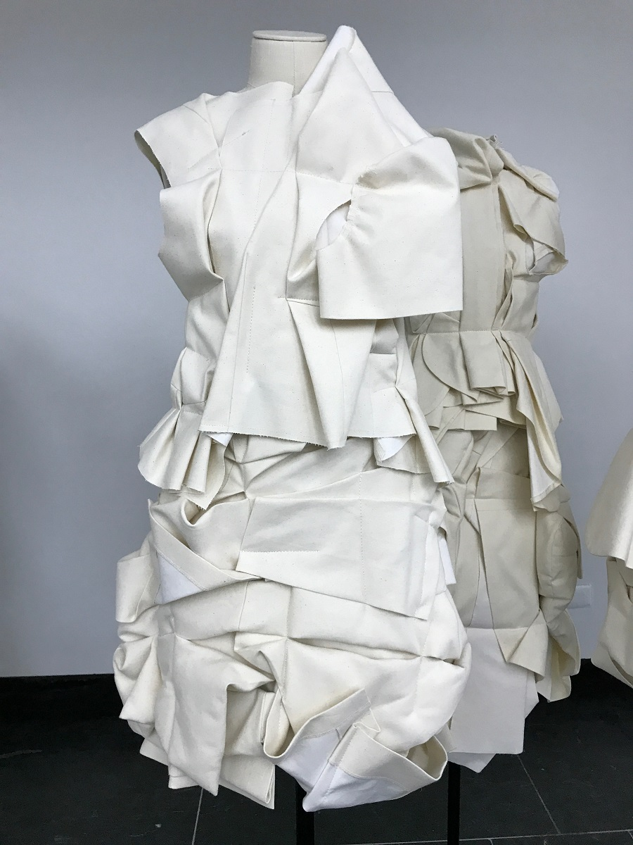 10 rei kawakubo comme des garcons art of the in between design forelements blog