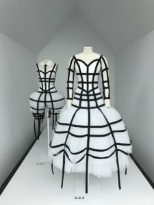 20 rei kawakubo comme des garcons art of the in between high low forelements blog