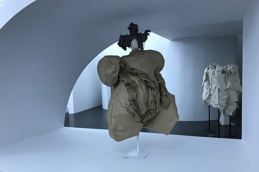 6 rei kawakubo comme des garcons art of the in between design forelements blog